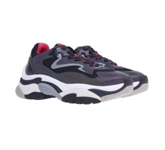 Sneaker ash